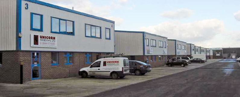 General business and commercial units with Leighton Buzzard industrial estates
